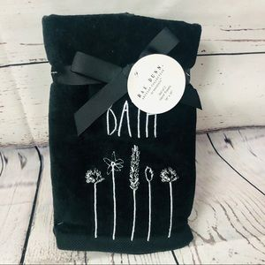 Rae Dunn BATH Flowers Hand Towels Set of 2 NWT